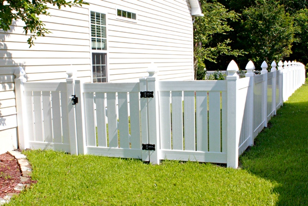 vinyl fencing. Perfect Fencing 1 On Vinyl Fencing O